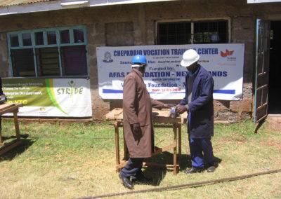 Mobilier scolaire pour un école d'artisanat au Kenya