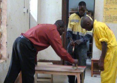 Outils pour un école d'artisanat en Ouganda