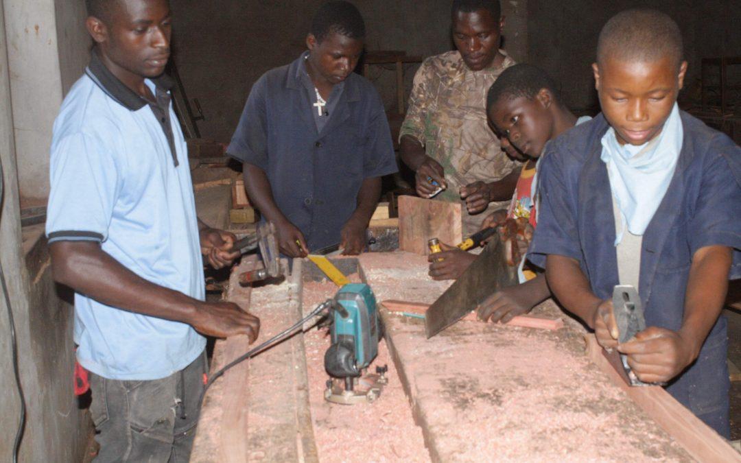 Ordinateurs pour le centre de formation professionnelle de Chipole à Tanzanie